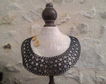 Necklace of recycled bicycle inner - Made in Morocco