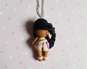 """Necklace little girl """"hair black, beige dress, Pink/Purple feathers"""" (Indian collection)"""