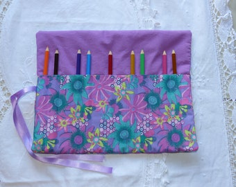 Gift card holder for colored pencils