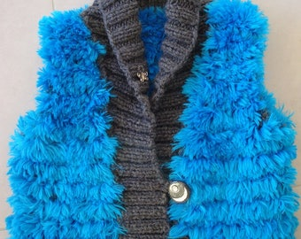 Vest without sleeves soft and very warm fur knit blue and gray 8 years