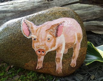 Pig on Stone/Pig Painting/Farm Animal Painting/Farmhouse Decor/Home Decor/Garden Decor/Unique Gift/Gift For Her/Gift for Him/Painted Rock