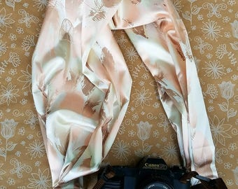Satin Scarf Material dslr Camera Strap, Feather Camera Strap, Feminine, Pink and Gold, Photography, Neck Strap