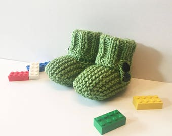 Booties for baby - buttons - green - size 0-3 months
