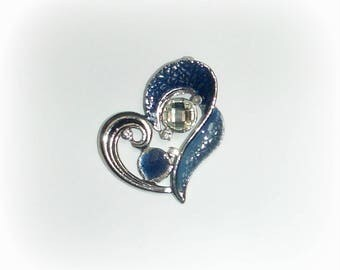 Blue heart pendant & rhinestones