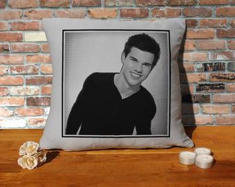 Taylor Lautner Pillow Cushion - 16x16in - Grey