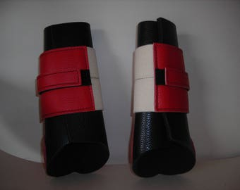 Mixed gaiters leather grained two-tone red and black horses.