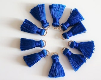 2 PomPoms, color Royal Blue, nylon, 2 cm