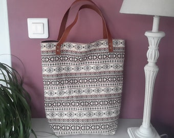 Tote bag perfect for summer