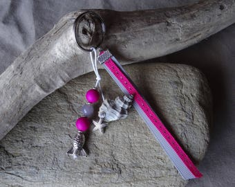 Door keys or bag pink and gray shell charm