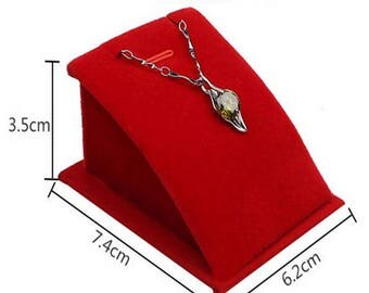 Red 1 display for your most beautiful pendants or Earrings within 15 days
