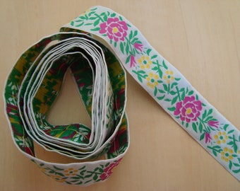 170 cm lace ribbon flowers with foliage - width 2.5 cm white pink green yellow