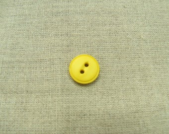 Acrylic button with 2 holes - 15 mm - yellow