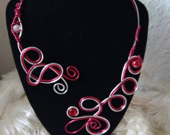 valentine bracelet in aluminum wire necklace