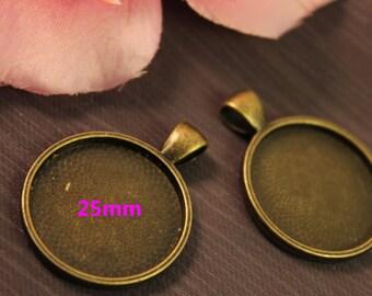 1 medium round pendant Bronze 25mm cabochon