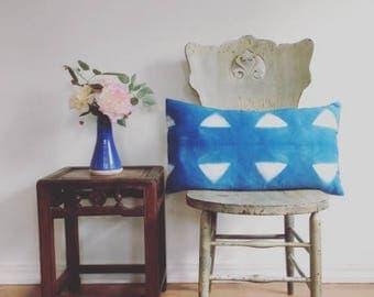 Cotton shibori indigo triangle pillow