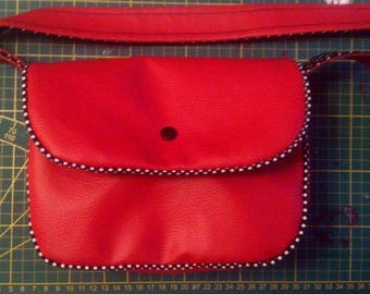 small handbag (23x18cm) cherry red faux leather and black fabric and white polka dots