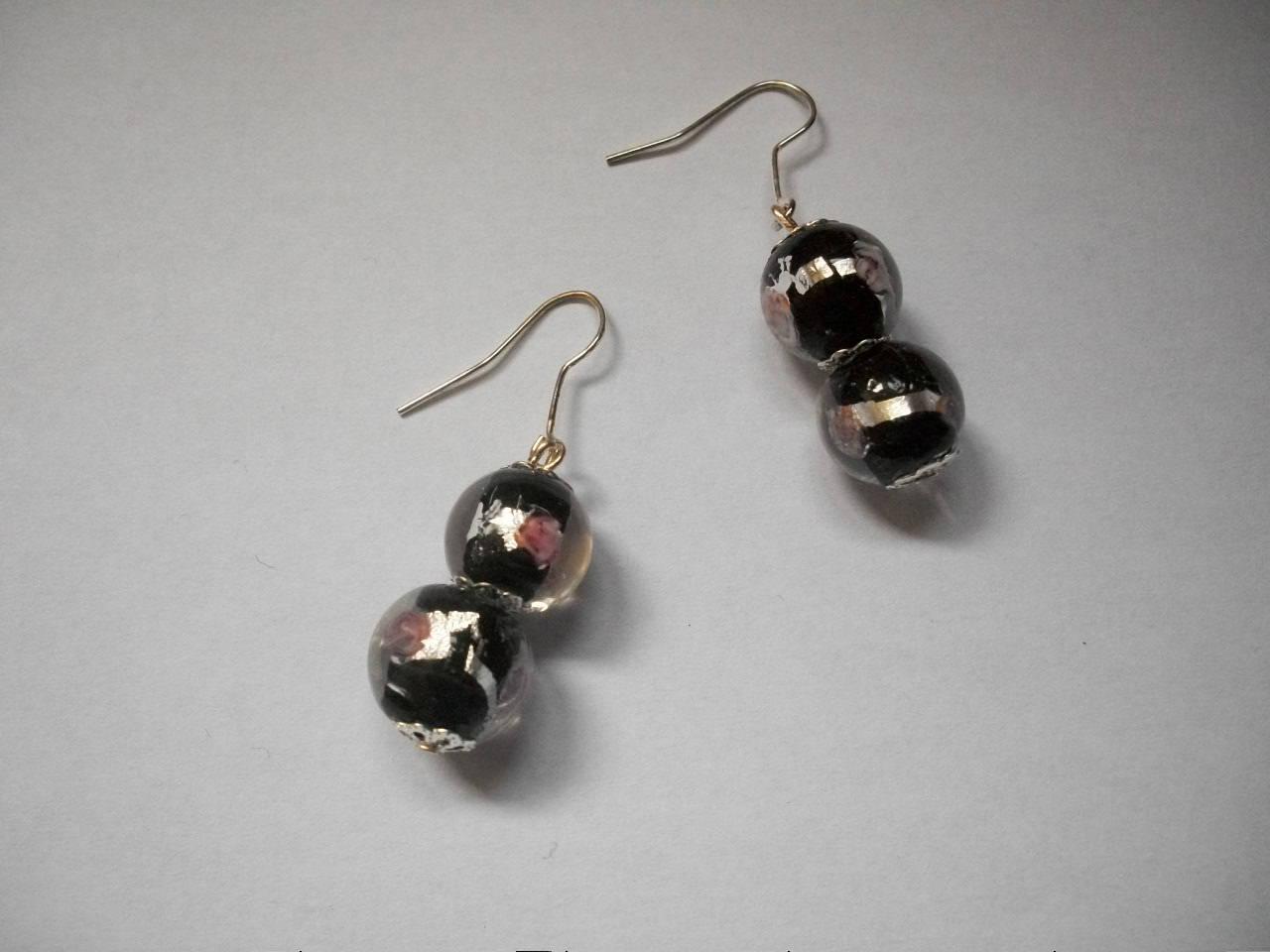 Boucles d'oreilles en perles de murano noir et argenté