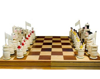 "Handmade Chess. 100% Bovine Bone. Foldable Board: 17.7"" x 17.7"" (45x45 cm)"