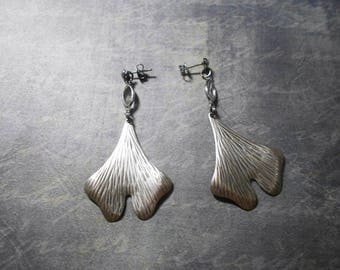 earrings with gingko - in Crystal and palladium - natural and modern style print