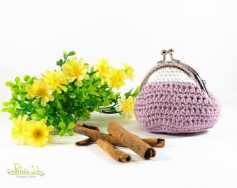 Lilac and white coin purse made of crochet with shiny silver metal closure clip clap