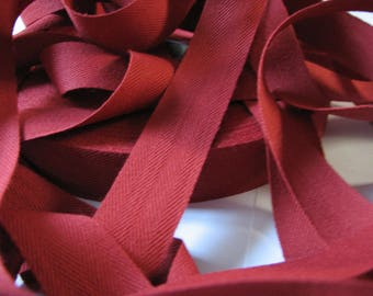Coupon for 2.50 meters of Ribbon red Tomette 25 mm - L8 cotton twill