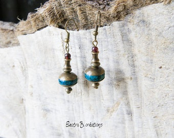Earrings short chrysicolle blue green, Garnet and brass