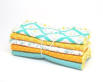 5 large wipes cleansing colors yellow and green //cadeau //cadeau woman baby or baby