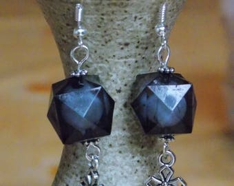 Earrings black short cross