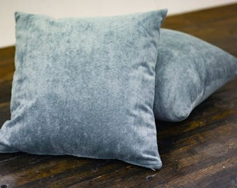 Crush Velvet Pillow (Blue)