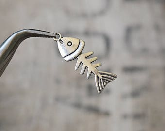 Cute little FISH SKELETON Charms Pendants 35 X 13 mm set of 5