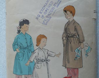 Children's Housecoat, Robe Pattern with Kimono Sleeves, Vintage Vogue 2783, Size 4 - 1950's