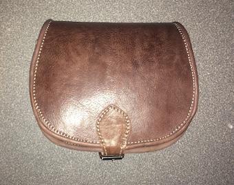 Messenger bag 100% brown leather shoulder bag
