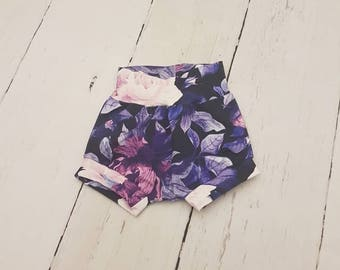Floral Bloomers / Shorts / Girl / Baby Shorts / Kids Shorts / Toddler Shorts / Baby Bloomers / Baby Clothes / Diaper Cover / Toddler Clothes