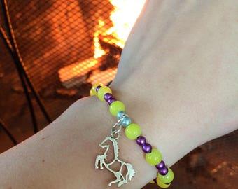 Horse charm stretch bracelet
