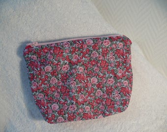 Small pouch with zipper