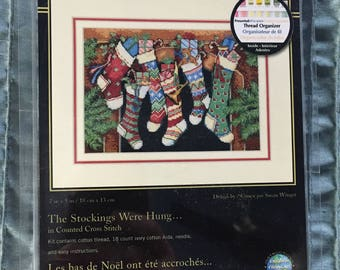 "GOLD COLLECTION   Dimensions Petites Counted Cross Stitch Kit ""The Stockings Were Hung....""  #8800"