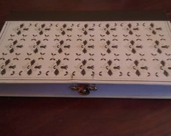 Book box Clutch white with Brown flowers