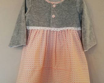 Baby girl cotton and velvet dress.