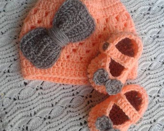 Hat and woven crochet booties for babies