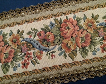 Classic Mid Century Tapestry Style Floral Jacquard Table Runner with Metallic Trim