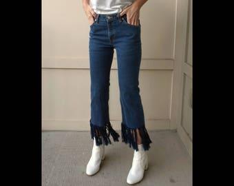 Vintage Levi's Jeans Size 28    Vintage Levi's Dark Wash Size 28    Vintage Levi's Distressed Hem 28   Vintage Jeans Frayed Hem Size 28