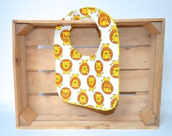 White bib with Lions