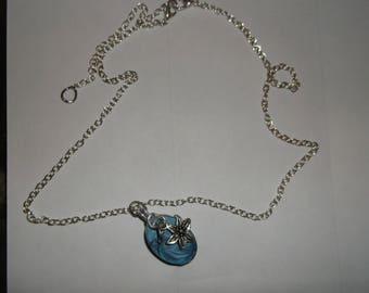 drop blue flower resin necklace