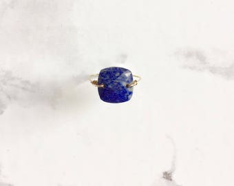 Fine ring - gold plated and Lapis Lazuli