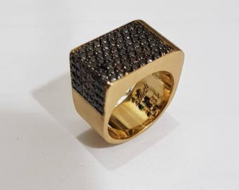 Pinky 18K Gold ring, with Black Dimonds