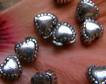 Set of 40 heart beads