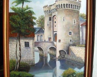Old door Guillaume de Chartres