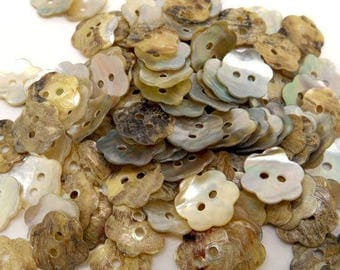 Mother of Pearl flower shaped buttons
