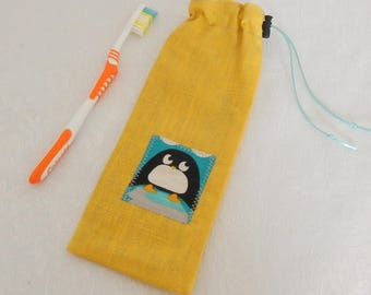 """Waterproof case """"Penguin yellow"""" for toothbrush and toothpaste, to the bag, school bag or toiletry bag"""