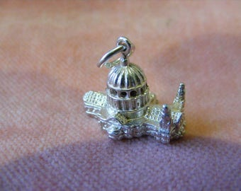 F) Vintage Sterling Silver Charm St pauls Cathedral